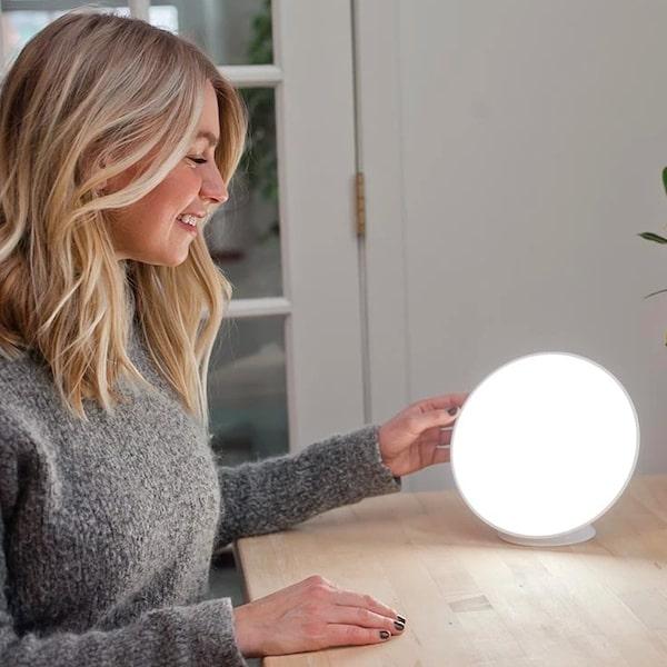 circadian optics lampu light therapy lamp